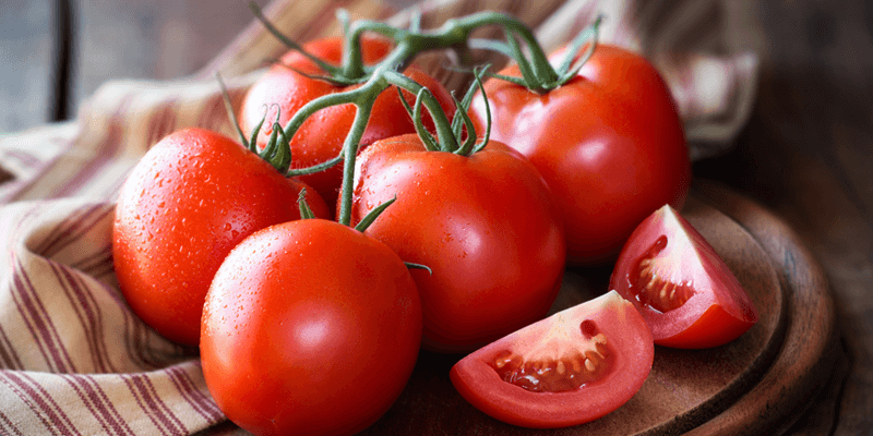 foods-with-collagen, Vine tomatoes and tomato wedges
